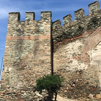 The old Byzantine walls around upper-Thessaloniki.